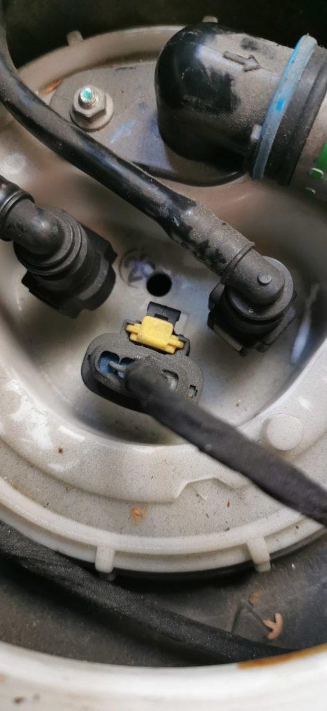 Loch für Tankentnehmer