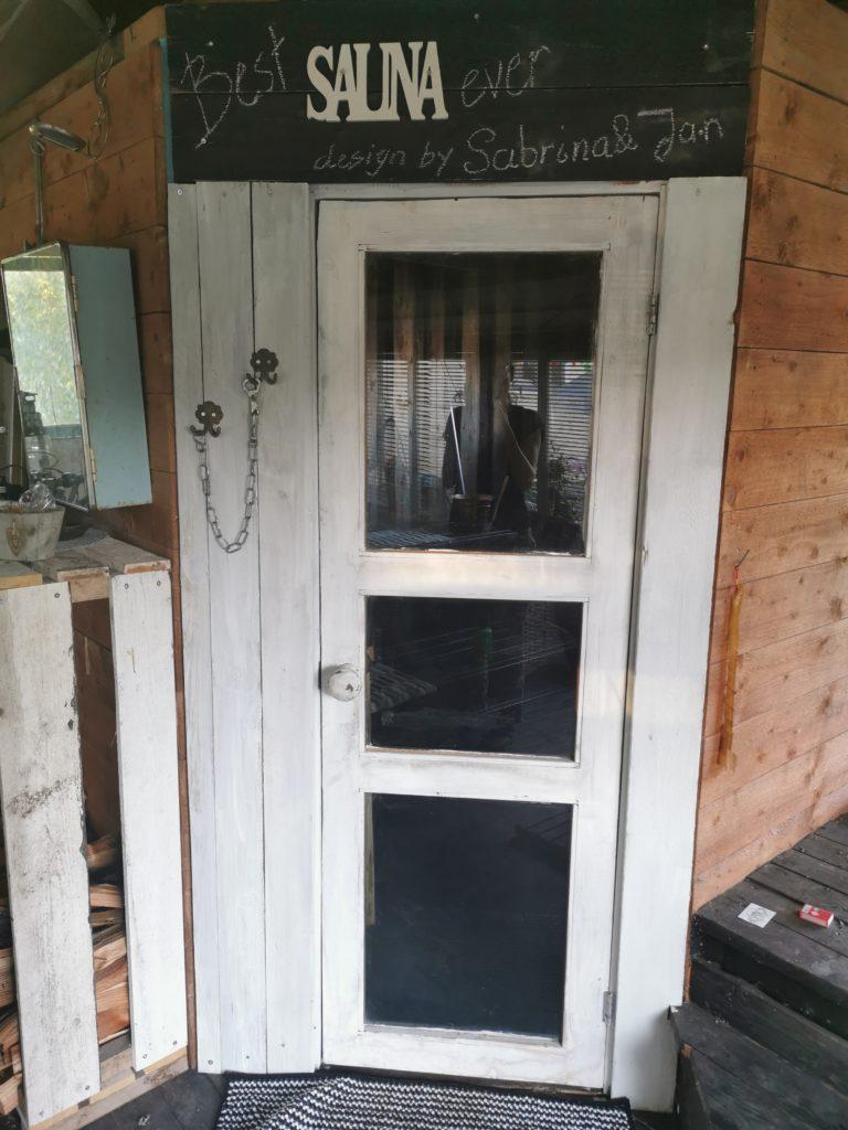 Tür eingebaut